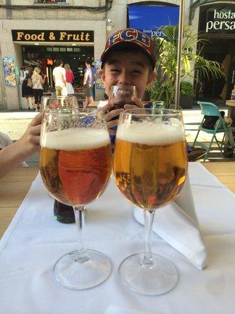 Hotel Persal : Bar enfrente