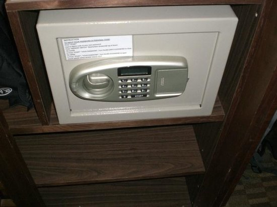 The Residence At Singapore Recreation Club: 311 Safe