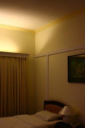 Royal Hotel Saigon ( Kimdo Hotel): 落ち着いた部屋