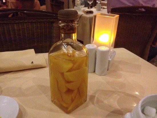 """Monte Christo : Персиковый ликёр - угощение """"на посошок"""""""