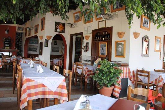 Simos Taverna: Typiquement grec