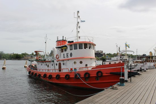 Hotel Skeppsholmen : Retired commercial vessel from the Stockholm Ships Association
