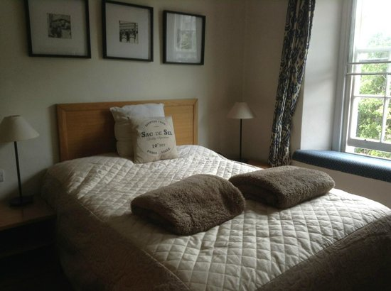 The White Hart: comfortable bed