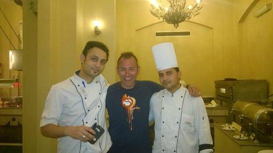 Nubian Island Hotel: Amazing chefs at the main restaurant