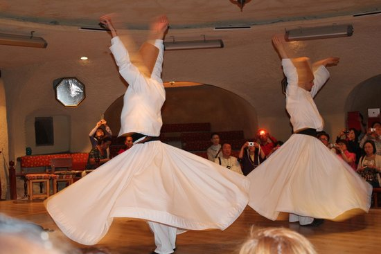 Dervis Evi Whirling Dervishes: дервиши