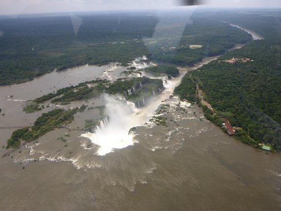 San Martin Hotel & Resort: Localização próxima a entrada do Parque Nacional no Iguaçu