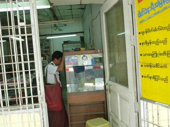 Sule Pagoda: Hier bieten Astrologen und Handleser ihre Dienste an!