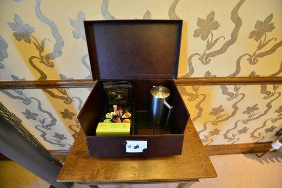 South Lodge Hotel: Tea or Coffee Madam?