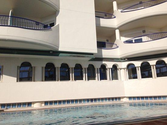 Hotel Playa Victoria : Piscina
