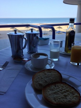 Hotel Playa Victoria: Desayuno