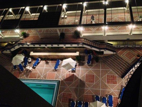 Hotel Playa Victoria: Vista noche