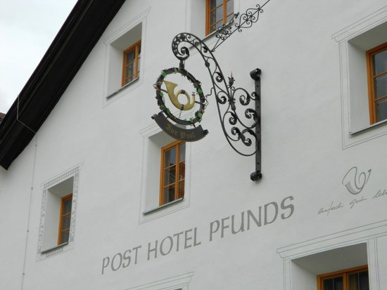 "Posthotel Pfunds: Le "" POSTHOTEL "" à PFUNDS."