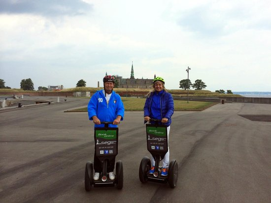 Segs - Segway Tours in Elsinore : Med view til Kronborg