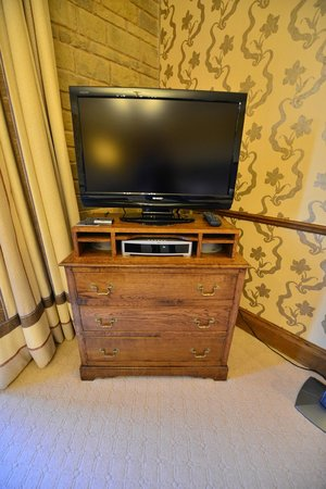 South Lodge Hotel: TV
