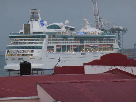 Radisson Colon 2000 Hotel & Casino: Blick auf das Einkaufszentrum und die Pier