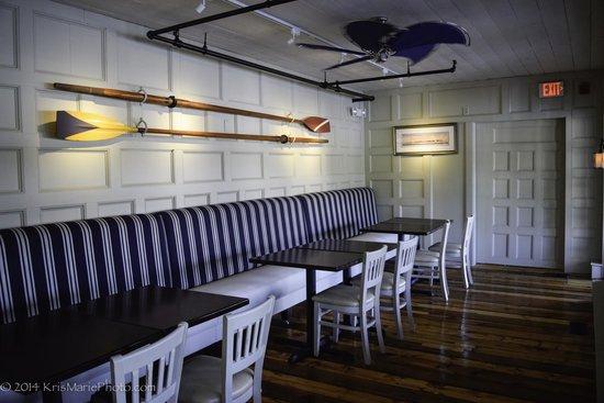 Captain Kidd Restaurant: The side room