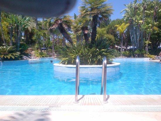 Ria Park Hotel&Spa: poolside