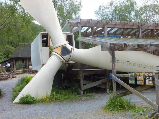 Centre for Alternative Technology : A Wind turbine blade
