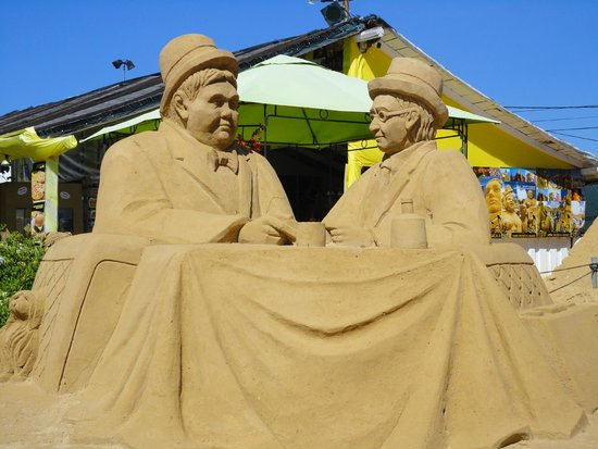 FIESA - International Sand Sculpture Festival: who knows who this is?