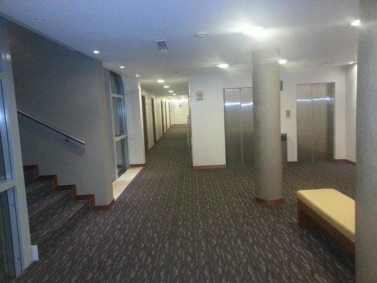 Mirasol Hotel Boutique: Foto tomada desde la habitacion hacia los acensores