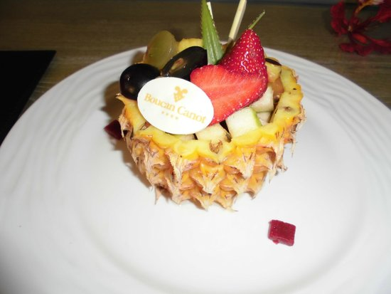 Hotel Boucan Canot: fruit accueil