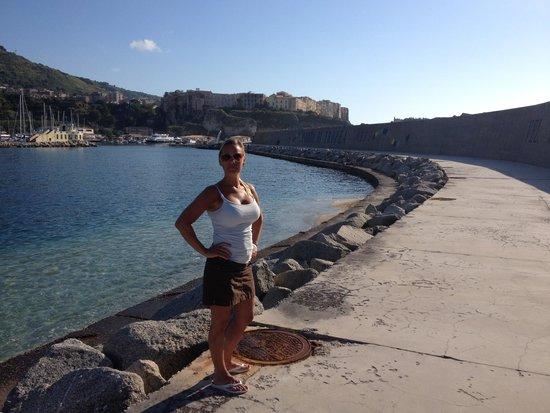 Rocca Nettuno Tropea: Hamnen i Tropea