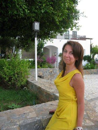 Creta Maris Beach Resort: На Фоне отеля