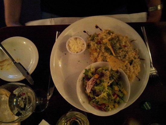 The Old Quarter Restaurant: vegetarisches Risotto mit Salat