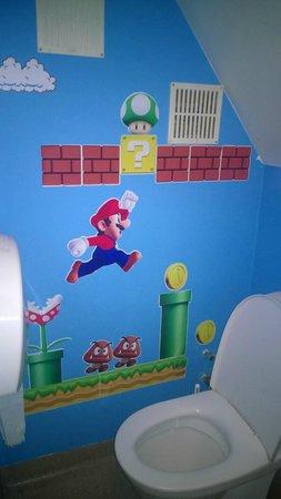 Svarta Kaffid : Bathroom
