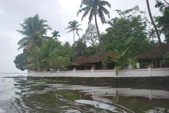 Coconut Lagoon: The view from the canal