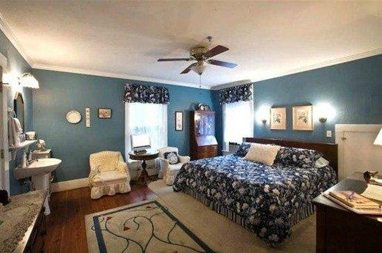 Mount Dora Historic Inn: Dick's Room