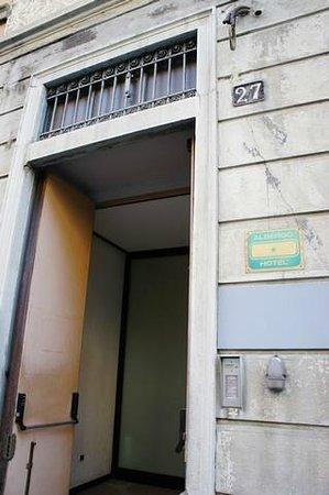 Hotel Nettuno: Entrance- 1 star Hotel Albergo