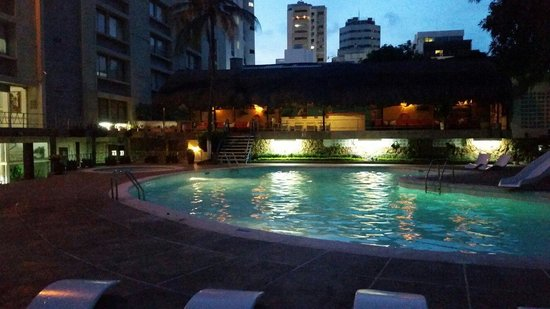 Hotel Bahia : Piscina
