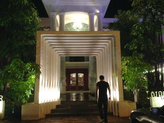 Memoire d' Angkor Boutique Hotel: entrance