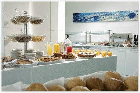 Adriatic Palace Hotel: Frühstücksbuffet