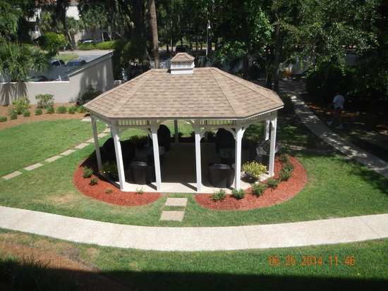 Sea Crest Surf & Racquet Club: Gazebo