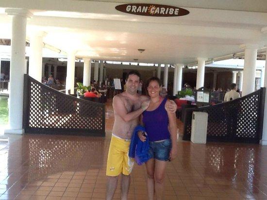 Catalonia Bavaro Beach, Casino & Golf Resort: Entrada do Restaurante principal do Resort Catalonia.