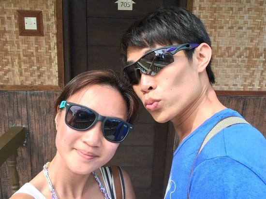 Bintan Spa Villa Beach Resort: entering our suite!