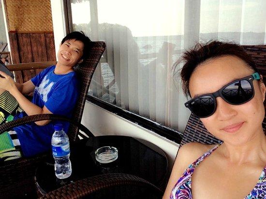 Bintan Spa Villa Beach Resort: chillin at our balcony