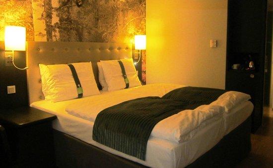 Holiday Inn Berlin Centre Alexanderplatz: Bequeme Betten