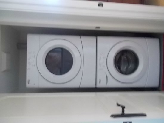 124 on Queen Hotel and Spa: laundry