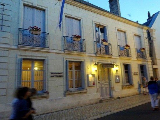 Au Coin Des Halles : A deux pas du château de Langeais, dans cette demeure du XVIII ème siècle, vous pourrez déjeuner