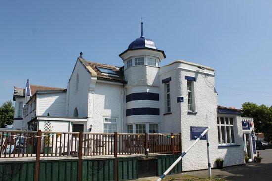 The Lighthouse Inn: The hotel