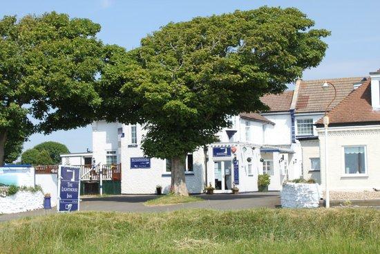 The Lighthouse Inn: Hotel grounds