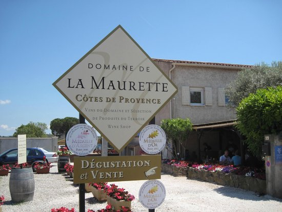 Azur Wine Tours : Local restaurant for lunch