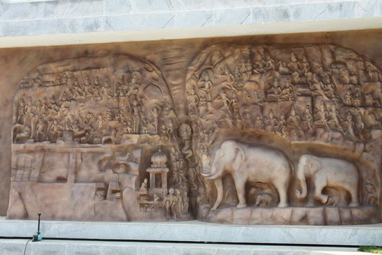 Grande Bay Resort and Spa : In sync with the carvings at Mamalapuram..