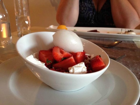 Q Restaurant at The Old Quay House: Strawberry Jelly, meringue, and Champagne Sorbet