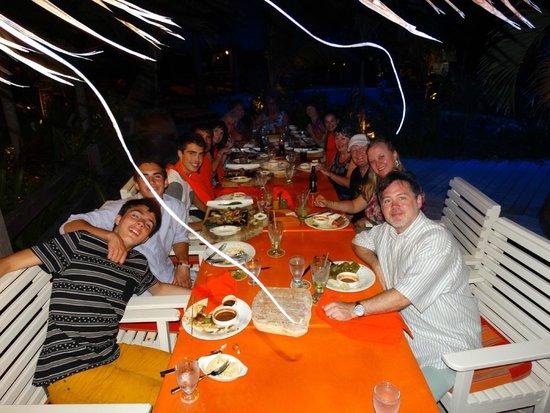 Pineapple Restaurant: Family meal for 16