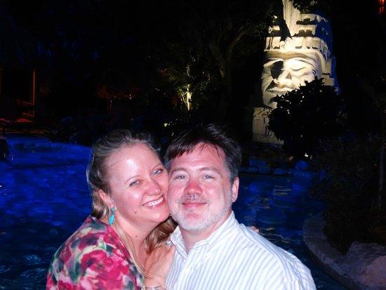 Pineapple Restaurant: Scenic pool