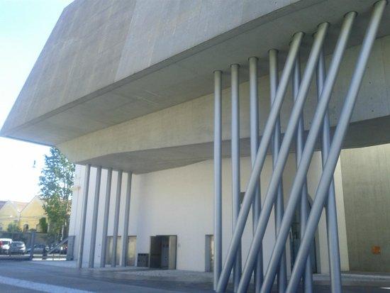 MAXXI - Museo Nazionale Delle Arti del XXI Secolo : struttura molto complessa e sempre diversa.foto cecilia polidori